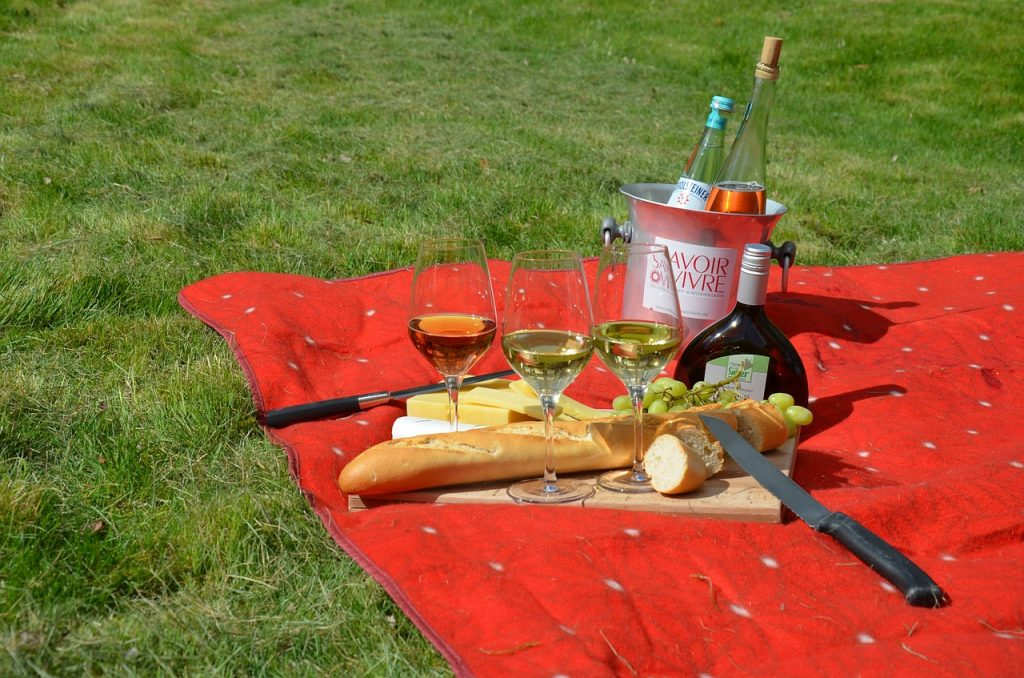 Have a pest free picnic on your lawn.